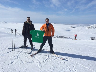ThinkGeoEnergy on skis, refuelling batteries for WGC2015