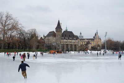 Early drilling indicate opportunity for geothermal heating in Budapest, Hungary