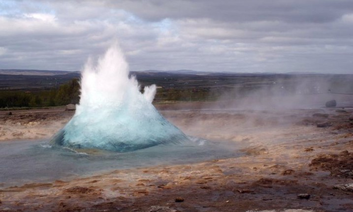page_Geothermal_Introduction_Geysir