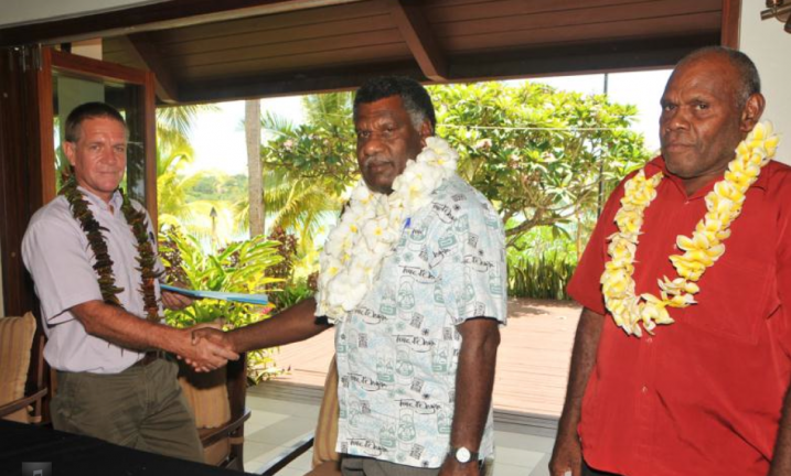 KUThEnergy_signing_productionlicense_Vanuatu2013
