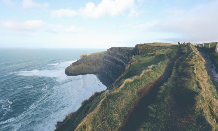 Coast in Ireland (source: flickr/ Basheer Tome, creative commons)