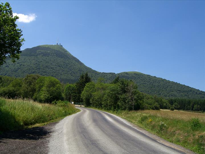 New permit for geothermal exploration in the Auvergne region, France