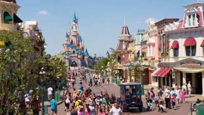 Geothermal to heat Ecotourism village created by Disneyland Paris