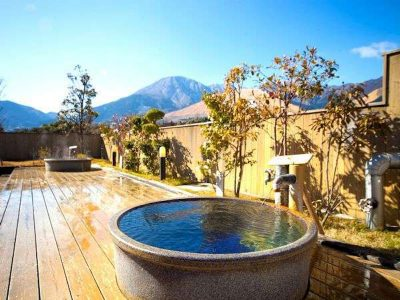 Hot Spring Power – charging phones with geothermal power at onsen in Beppu, Japan