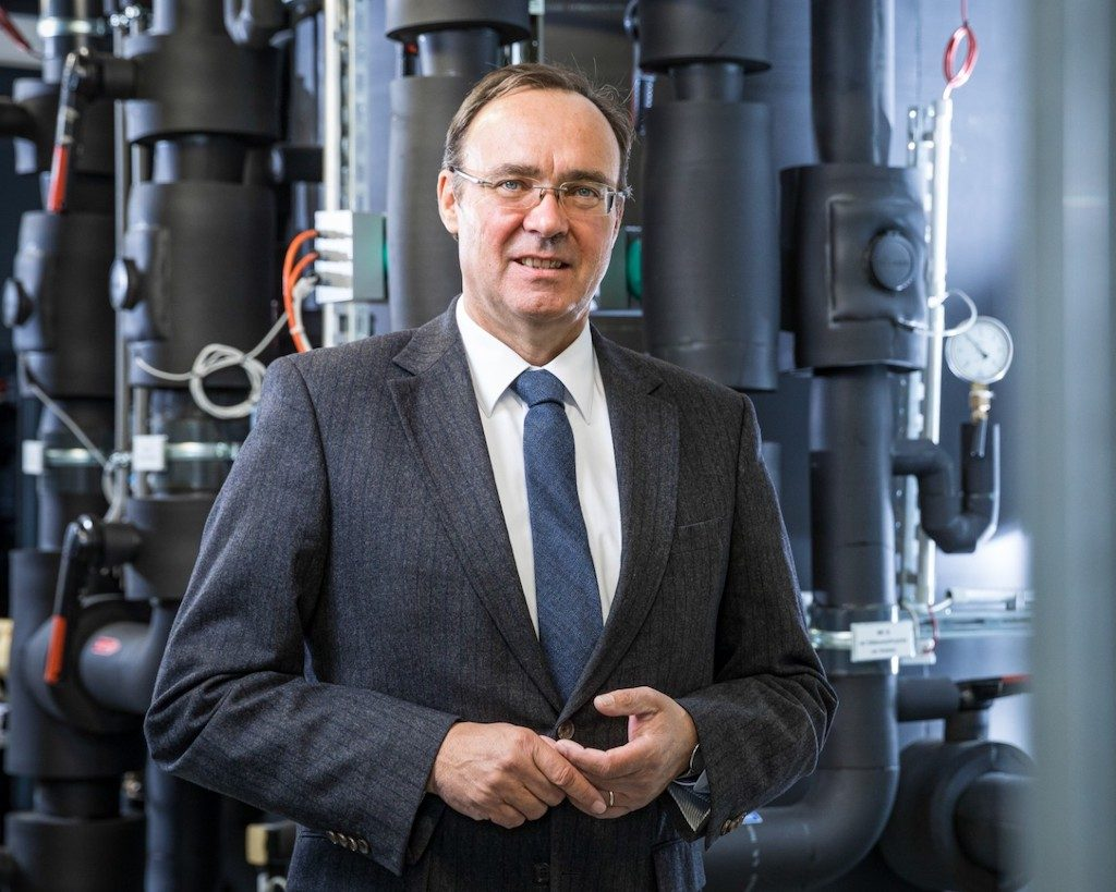 Connecting engineering and geo-science for a geothermal heating future at RUB