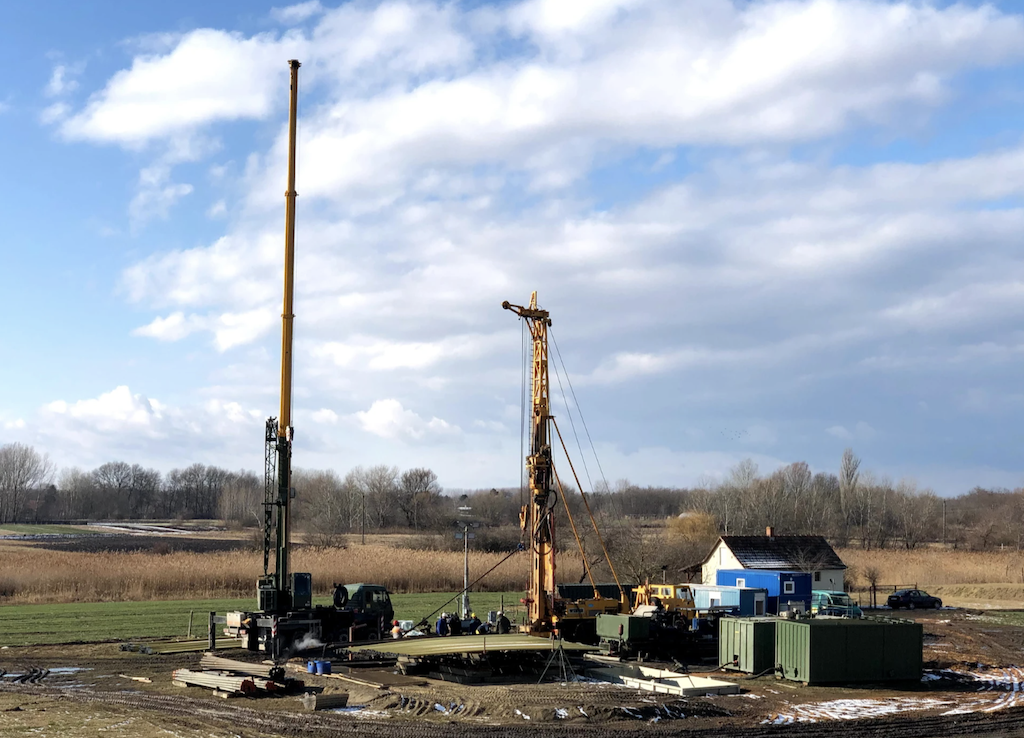 First closed-cycle geothermal heat plant set up in Hungary