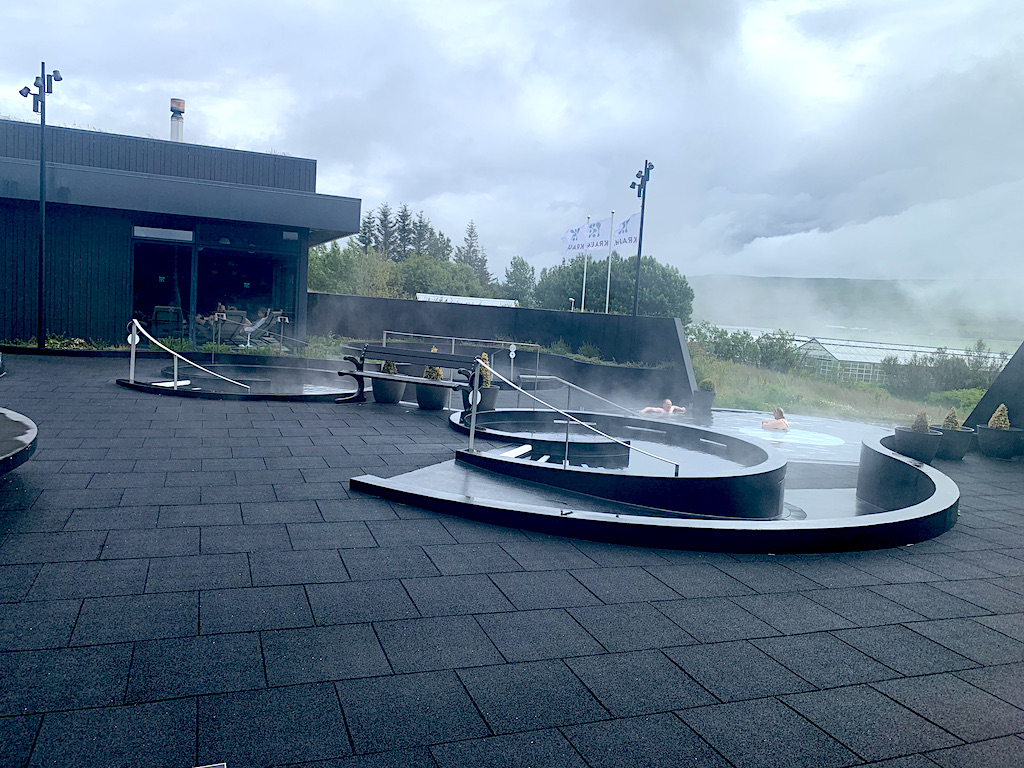 Icelandic geothermal spa producing own electricity